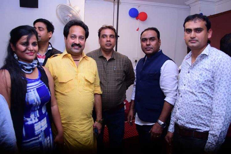 डायरेक्टर कमलेश सिंह द्वारा प्रस्तुत अक्षरा सिंह और राकेश मिश्रा  की आने वाली फिल्म 'बाजी'
