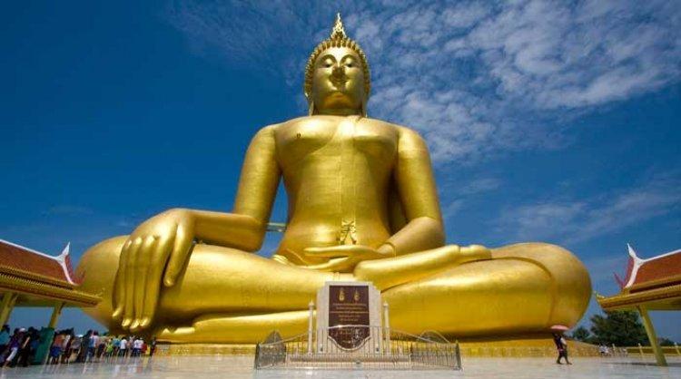 गोल्डन बुद्धा: 5500 किलो की सोने की मूर्ति (Golden Buddha)