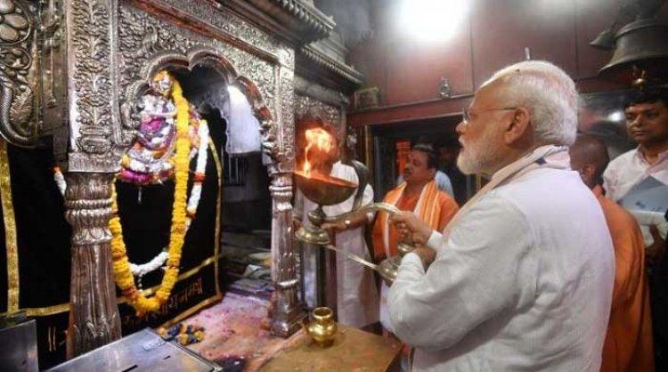 काल भैरव नाथ मंदिर: यहाँ प्रसाद में मिलती है शराब (Kaal Bhairav Temple)