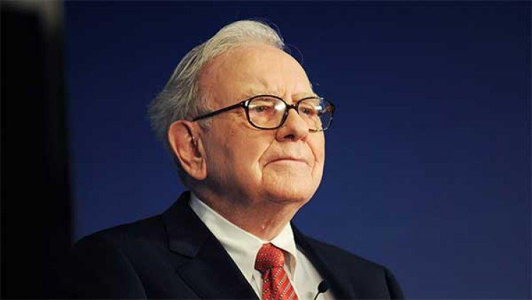 Warren Buffett Biography (Fun Facts, How he Started Business, Education, Investment, Life)